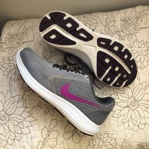Nike runner shoes
